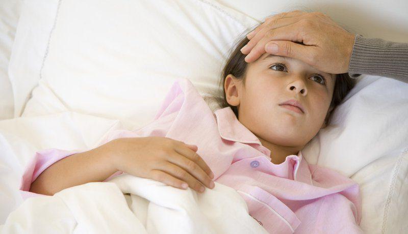 Sốt siêu vi ở trẻ có nguy hiểm không